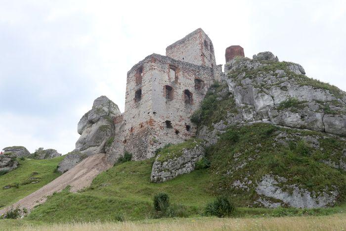 Castillo bien situado Q93rfogo1kmihedy0mwm
