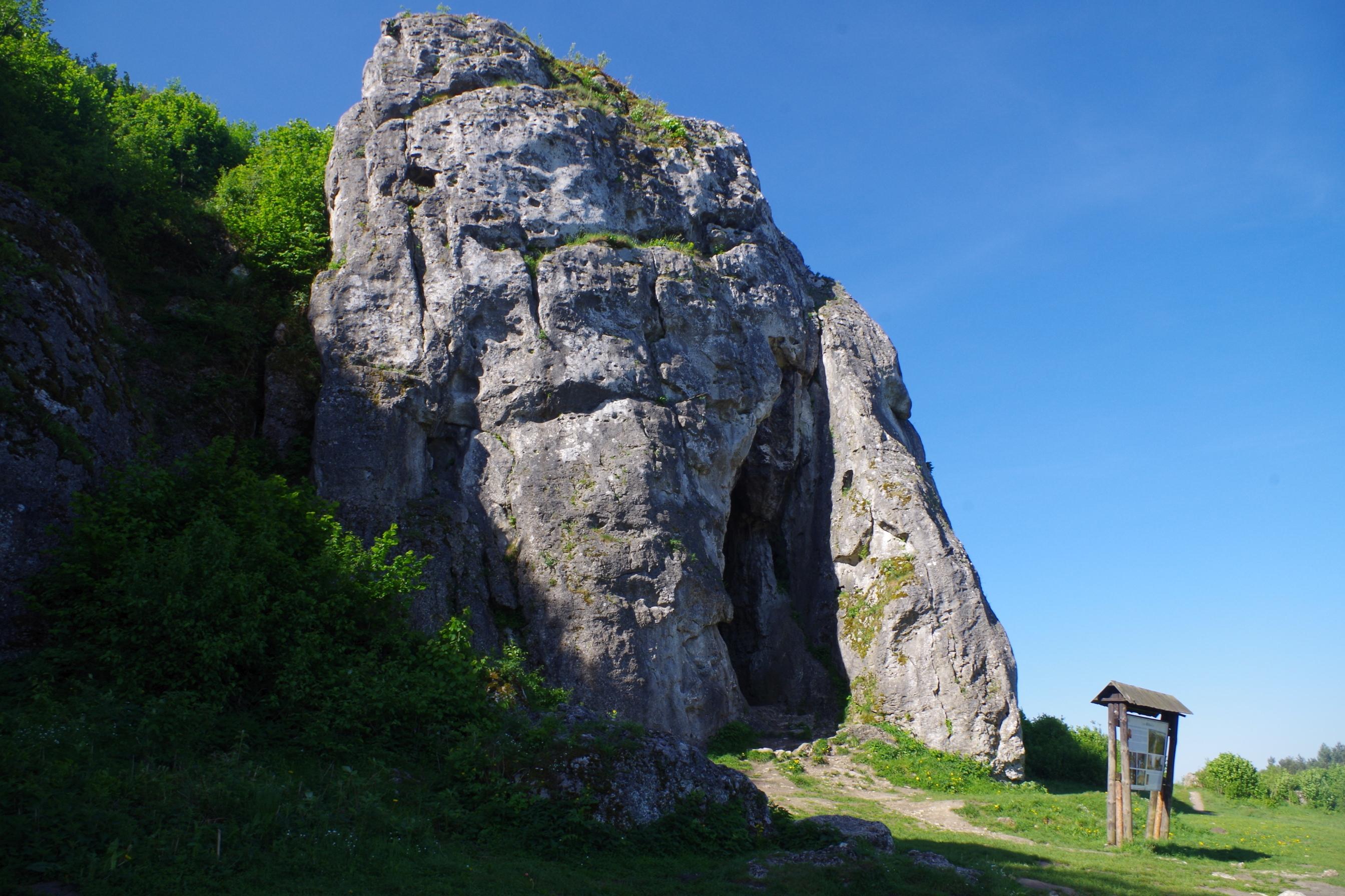 Печера Стайня, де знайшли рештки неандертальця